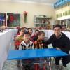 Tổ chức KFHI tài trợ 25 bộ bàn ghế học sinh năm học 2017-2018